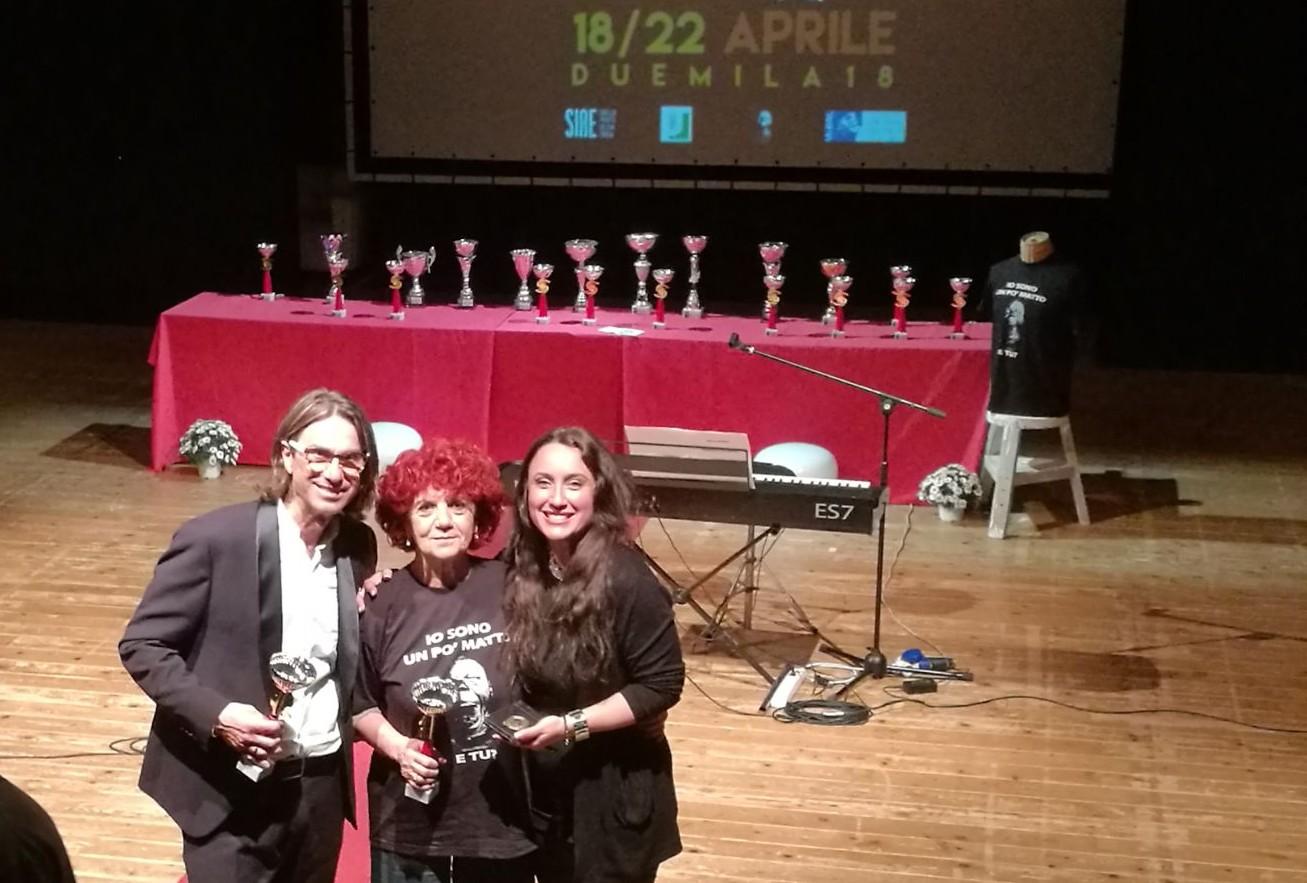 Luigi Petruzzi premiato dal Ministro Fedeli per un brano ed un monologo contro il bullismo