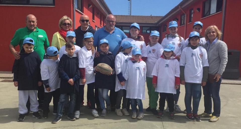 Ill rugby come veicolo di importanti battaglie: ad accompagnare i giocatori in campo ragazzi oncologici della Bielorussia